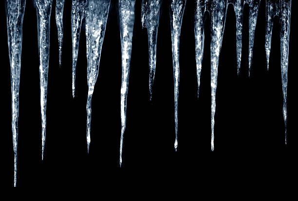 검정색 배경에 icicles on - 고드름 뉴스 사진 이미지