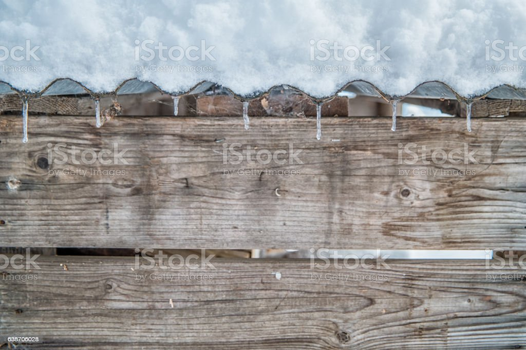 Icicles on hut – Foto
