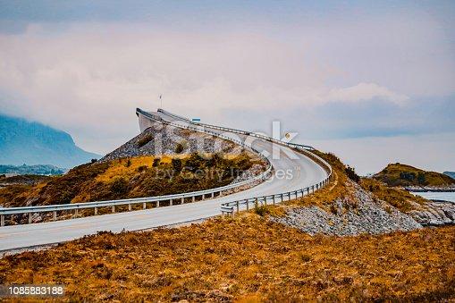 istock Iconic Atlantic road curve 1085883188