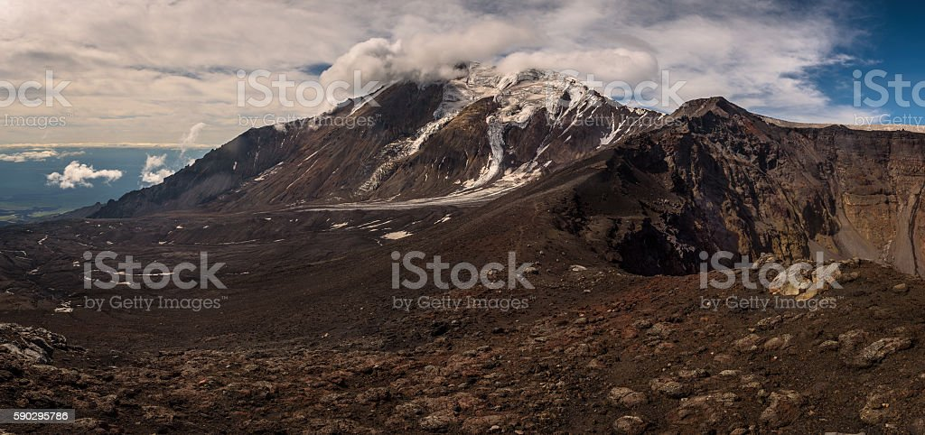 Icy glaciers on the slopes of Tolbachik Volcano near crater Стоковые фото Стоковая фотография