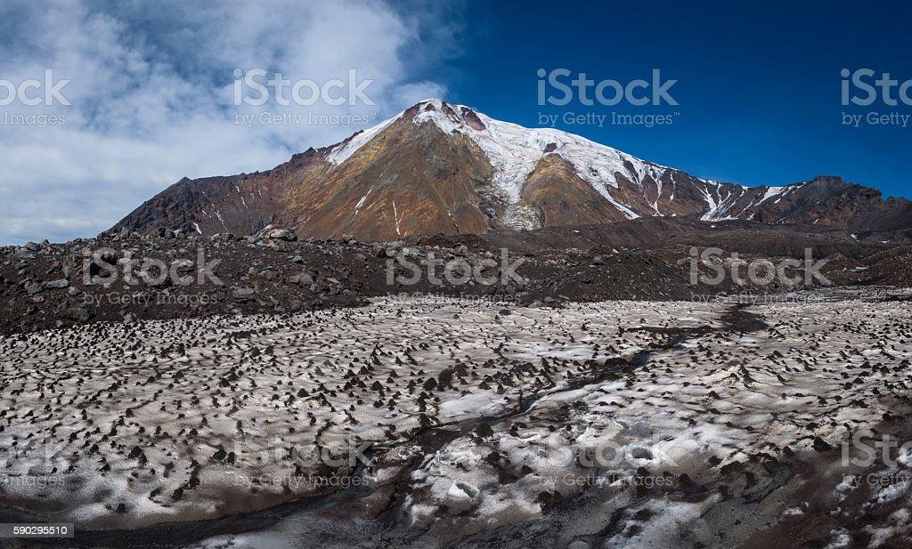 Icy glaciers on the slopes of Tolbachik Volcano royaltyfri bildbanksbilder
