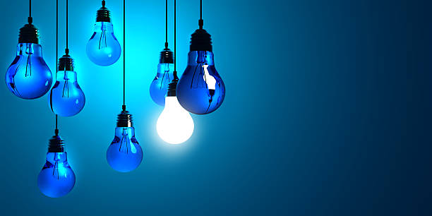 Idee Konzept, hängenden Lampen – Foto