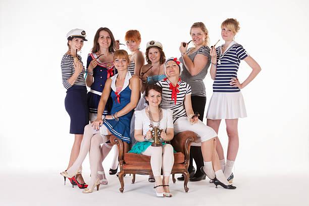 ideen für den junggesellinnenabschied: mariners - matrosin kostüm stock-fotos und bilder