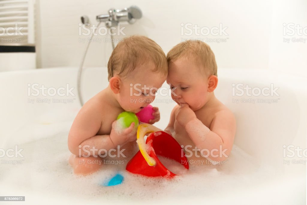Identical Twins In Bathtub Stock Photo & More Pictures of Baby | iStock