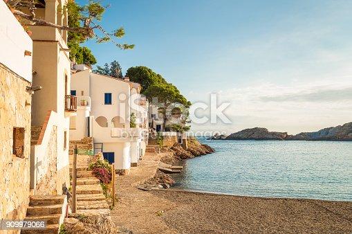 istock Idyllic fishing village of Sa Tuna - Costa Brava 909979066