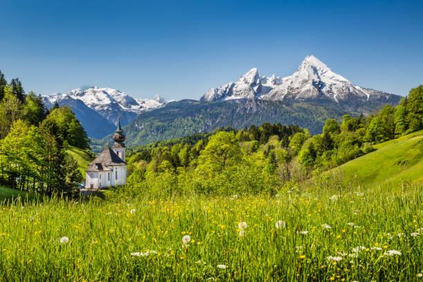 idyllisk bergslandskap i de bayerska alperna, berchtesgadener land, tyskland - bayerischer wald bildbanksfoton och bilder