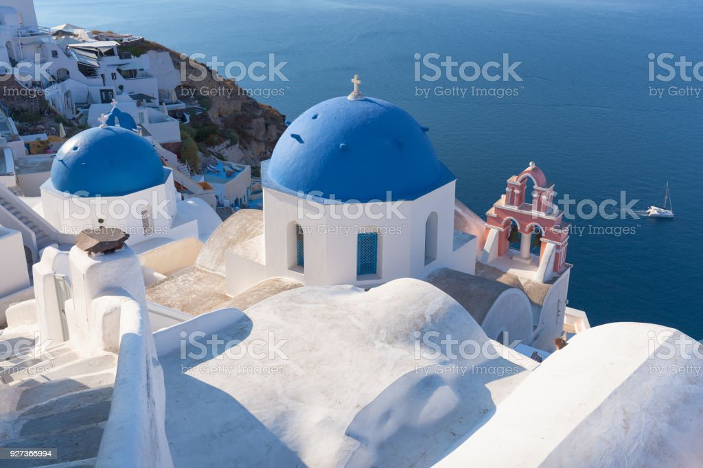 Idyllic view on traditional church rooftops of Santorini - Royalty-free Architectural Dome Stock Photo