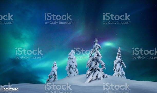 Idyllic winter night picture id1053472090?b=1&k=6&m=1053472090&s=612x612&h=kxhflgjyca33tr0n235qrx0usfux  gnxxhqavxbljo=