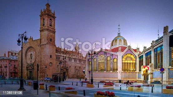 Iglesia de los Santos Juanes and the Central Market of Valencia.