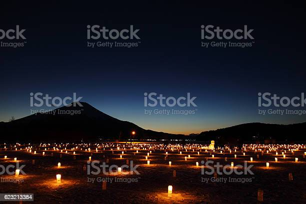 Iice candle illumination in yamanakako japan picture id623213384?b=1&k=6&m=623213384&s=612x612&h=szjmzhnm60qegimmz1z ejyfojas3gzvw2g1 khplly=