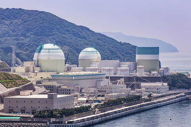 ikata nuclear power plant (ehime prefecture) in japan - reattore nucleare foto e immagini stock