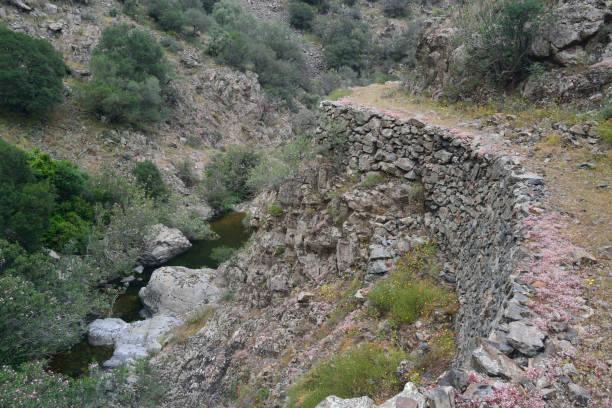 Il percorso di trekking noto come La Via dell'Argento Il percorso di trekking noto come La Via dell'Argento, Sarrabus, Sinnai percorso stock pictures, royalty-free photos & images