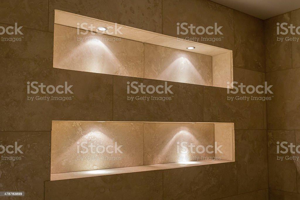 Beleuchtete Nischen Badezimmer Stockfoto und mehr Bilder von ...