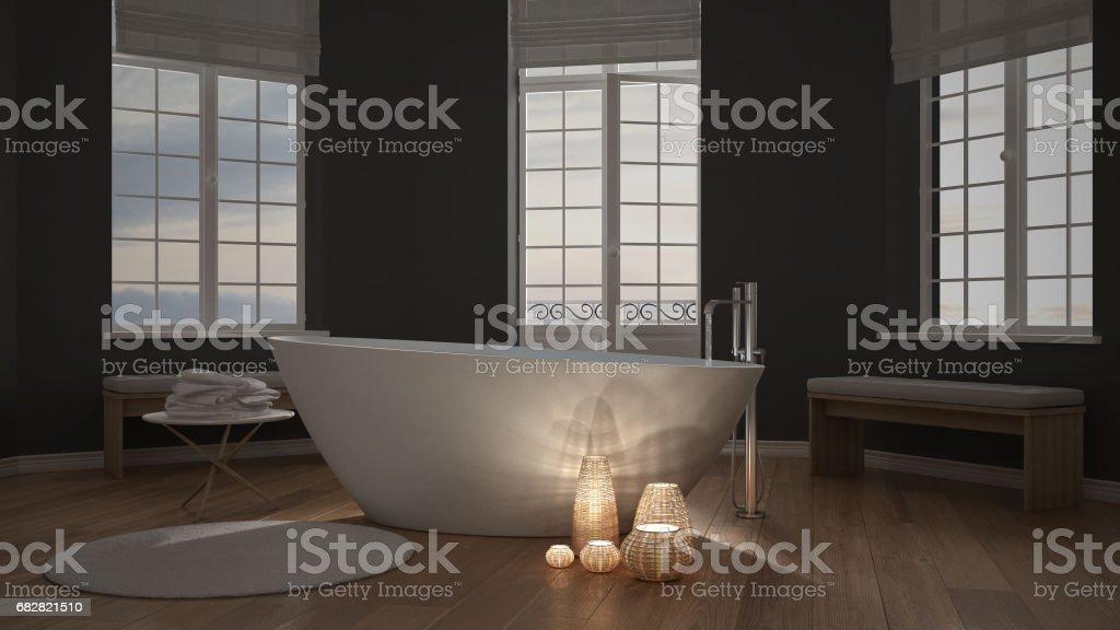 Illuminated Candles Inside A Minimalist Bathroom, Spa Zen Interior Design  Lizenzfreies Stock Foto