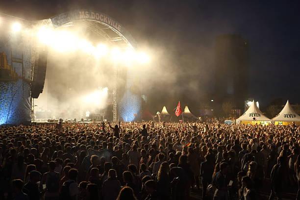 illuminated music festival stage - happy indie pop bildbanksfoton och bilder