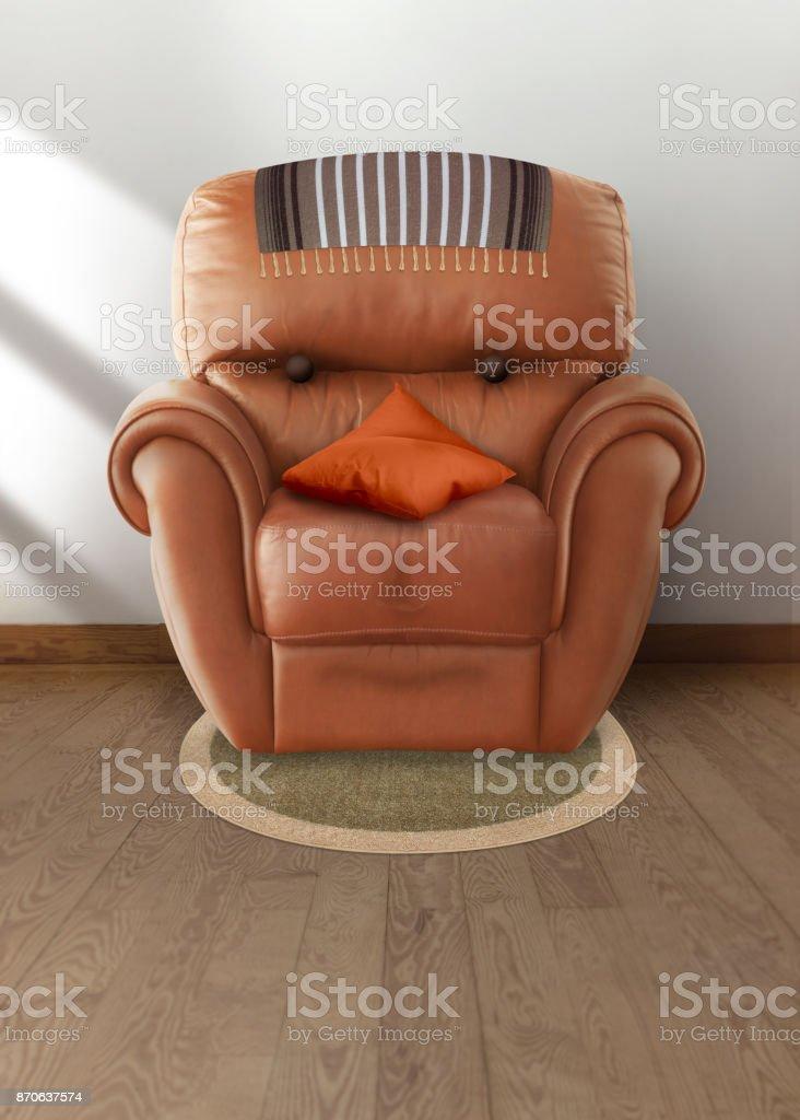 Ilustração retrata um sofá humanizado com a aparência do rosto de um homem que representa a face do sedentarismo. Ideal para alertas de saúde e obesidade - foto de acervo