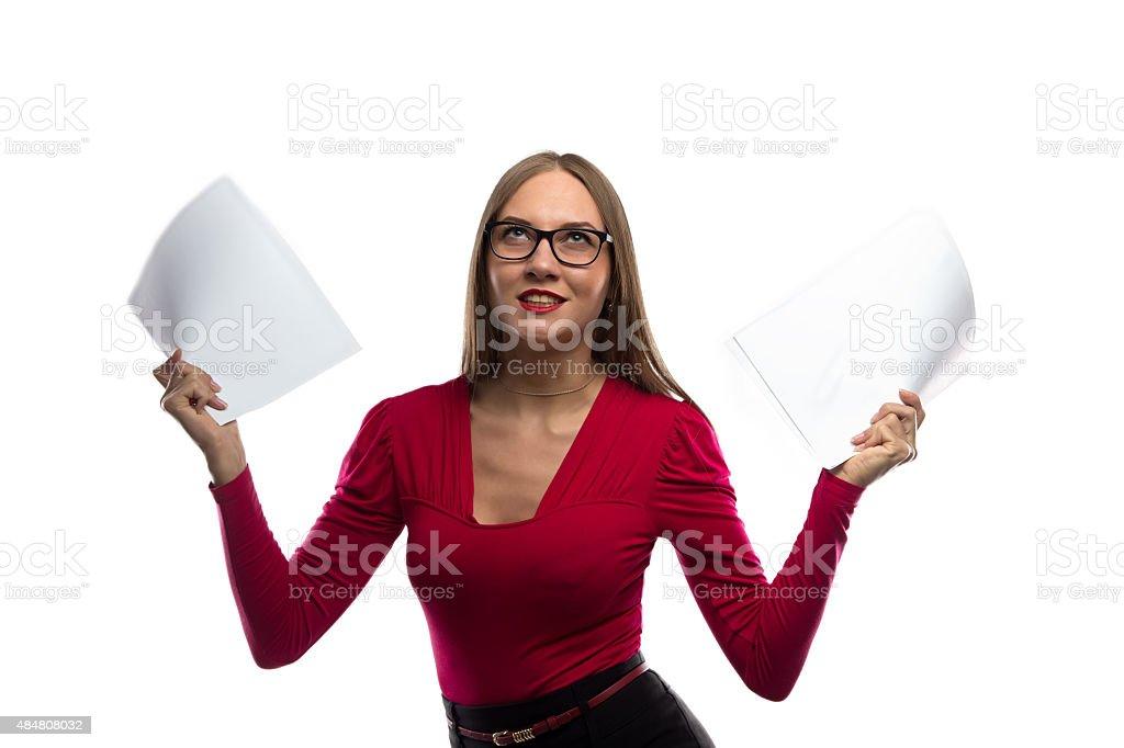 Bild von verärgert Frau mit Papier Bettwäsche - Lizenzfrei 2015 Stock-Foto