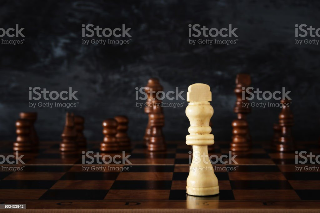 Image of chess board game. Business, competition, strategy, leadership and success concept. - Zbiór zdjęć royalty-free (Bitwa)