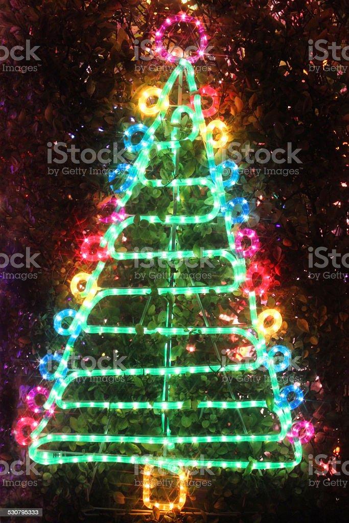 Bild Von Weihnachtsbaum Licht Neonseillight Christmasbaum ...