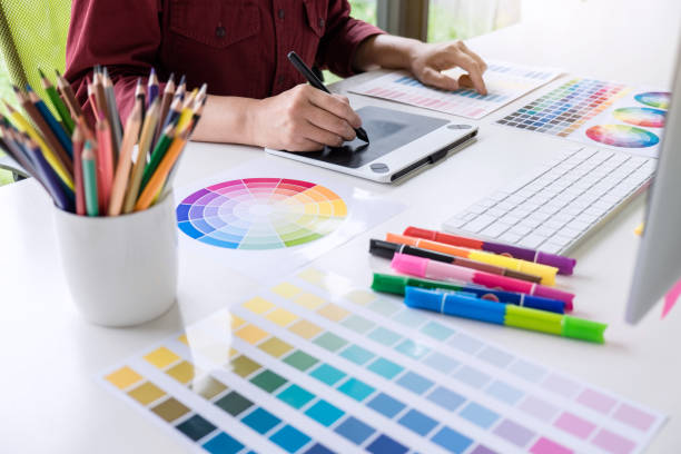 Image of female creative graphic designer working on color selection picture id1057613484?b=1&k=6&m=1057613484&s=612x612&w=0&h=zzbfh7dxbqej7xoqvbtzckfj5e4kwhtoydsoatnjhyg=