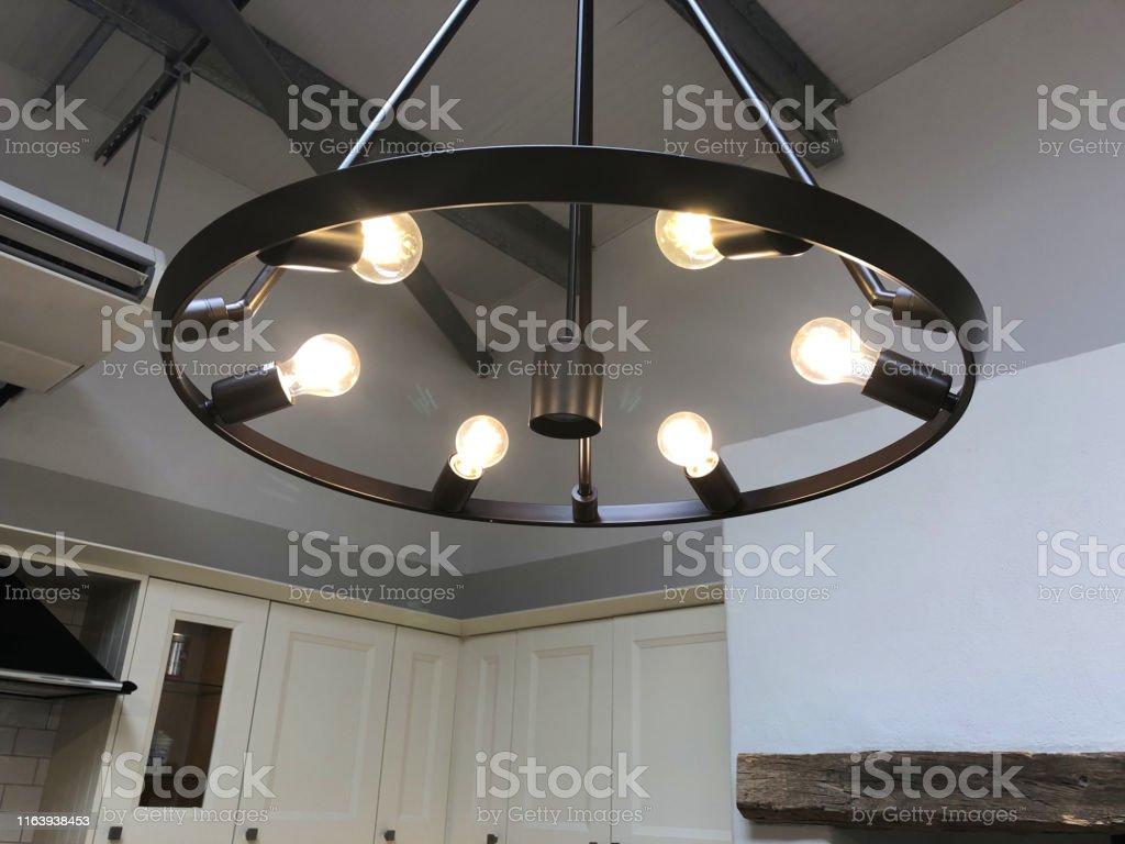 Quel Luminaire Pour Plafond Avec Poutre photo libre de droit de image de plafond �lev� de cuisine