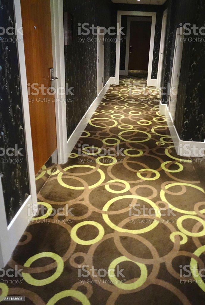Photo libre de droit de Image Du Couloir De Lhôtel Des Portes En ...