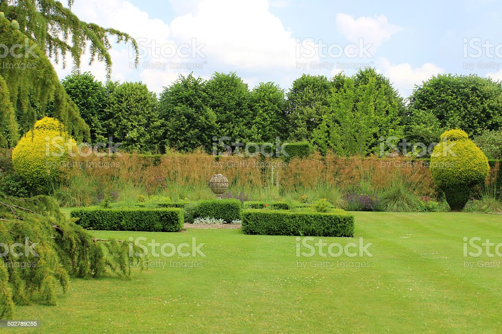 Image Of Landscaped Knot Garden With Geometric Clipped Box Hedges ...