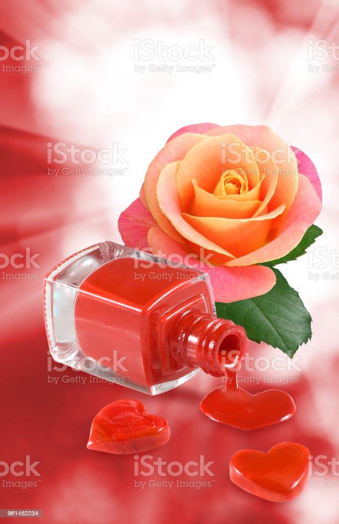 Imagen De Uñas Corazones Decorativos Y Flor Rosa Foto De