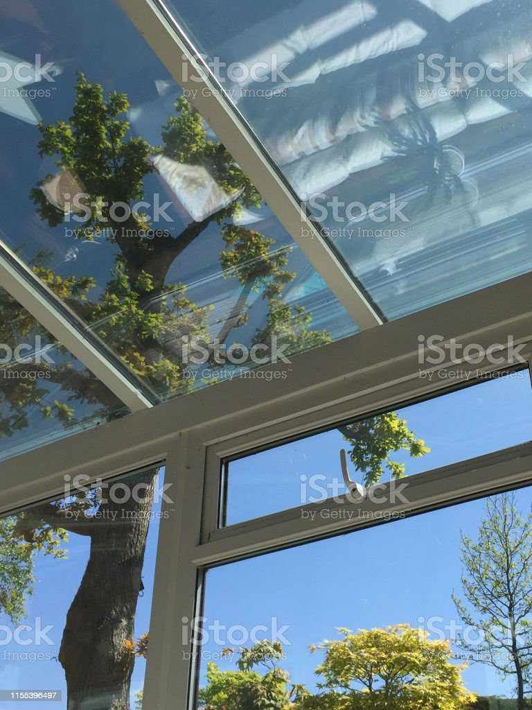 Veranda Metal Et Verre photo libre de droit de image de la véranda rectangulaire de