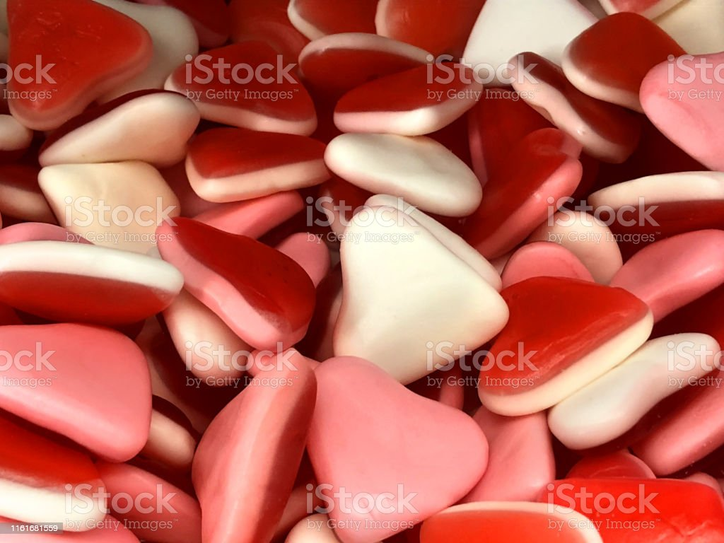 伝統的な英国のスイーツショップで販売のためのゼリービーン愛の心キャンディのお菓子のイメージ 柔らかい赤 白 ピンクのゼリースイーツ壁紙の背景子供のお菓子 不健康な食生活 ロ おやつのストックフォトや画像を多数ご用意 Istock