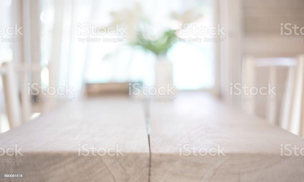 形象的木桌圖像檔