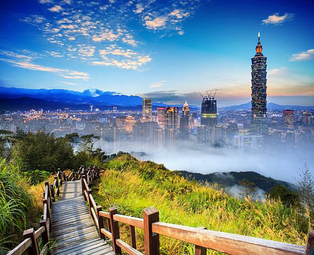 imaging des wunderschönen landschaft mit schönen mountain sonne farbe - insel taiwan stock-fotos und bilder