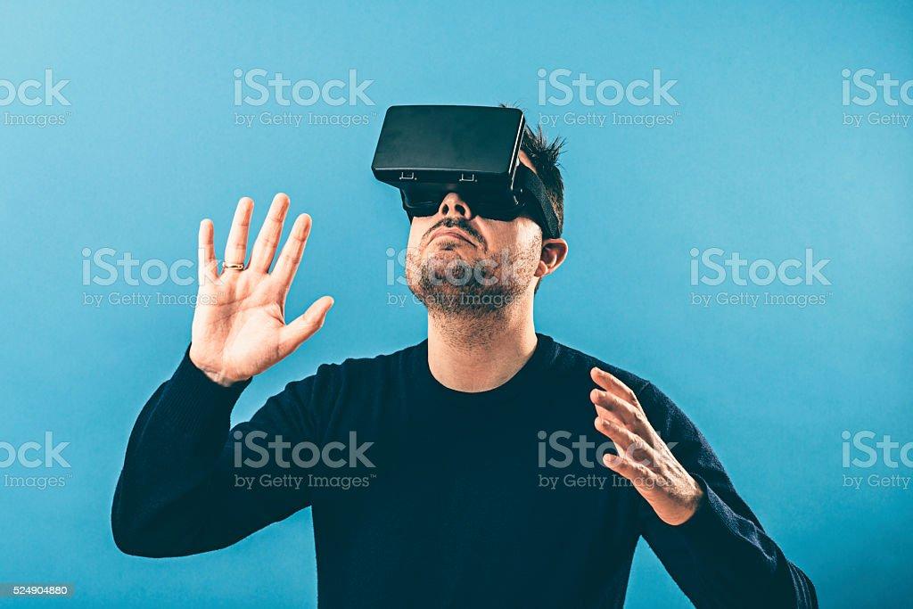 Immersion la réalité virtuelle avec RV verres - Photo