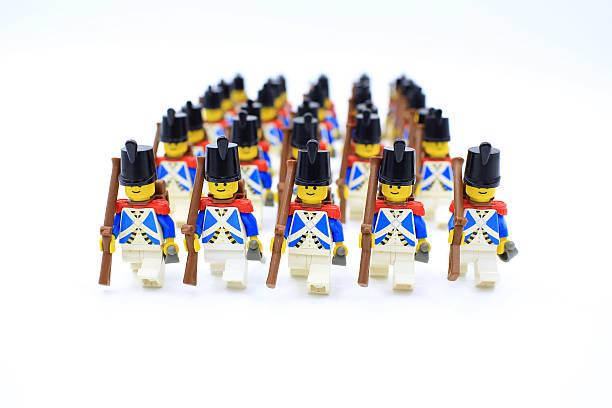 imperial soldaten märz - lego flugzeug stock-fotos und bilder