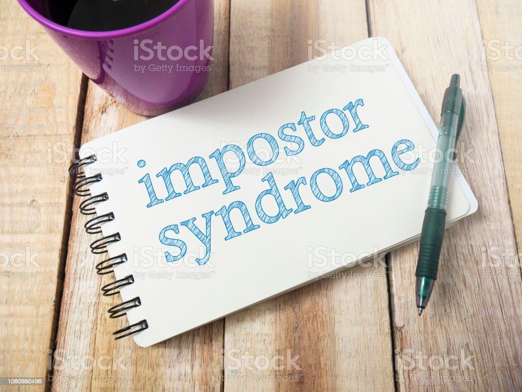 Síndrome del impostor, concepto de cotizaciones de Salud Mental palabras - foto de stock