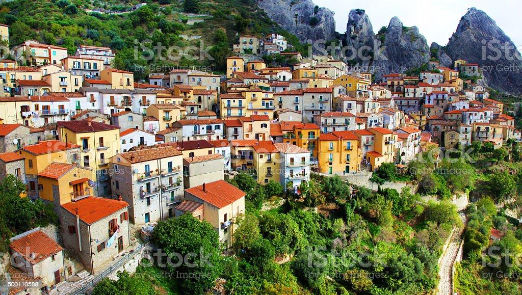 Impressionante Castelmezzano, Basilicata, Italia. - foto stock