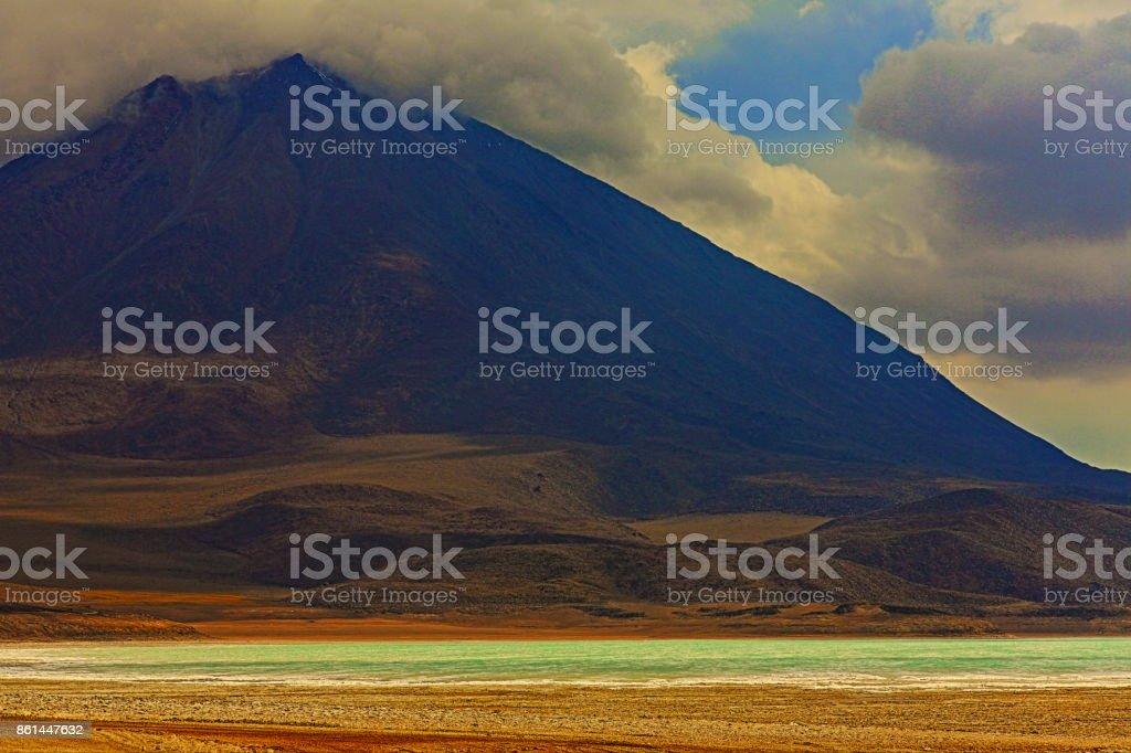 Impressive Laguna verde - green lake reflection, Licancabur and Idyllic Atacama Desert, Volcanic landscape panorama – Potosi region, Bolivian Andes, Chile, Bolívia and Argentina border stock photo