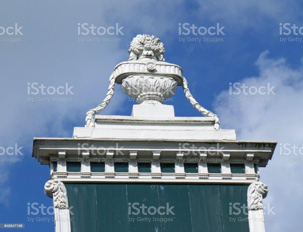 Decoración De Terraza Del Impresionante Edificio Vintage