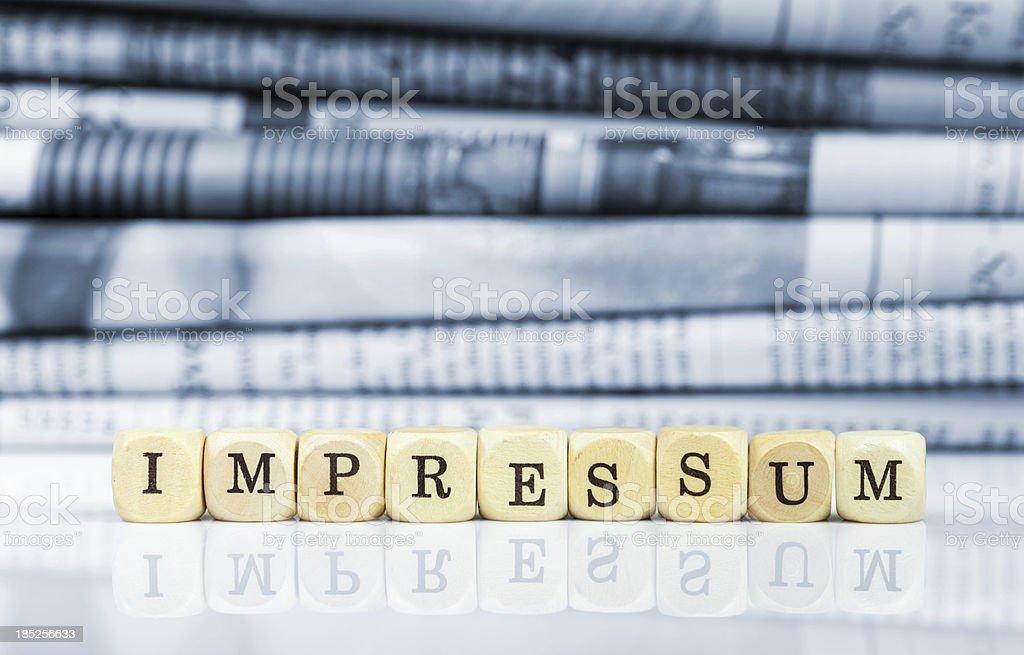 Impressum (deutschen Schreibweise)-Zeitungen in den Hintergrund - Lizenzfrei Bildschärfe Stock-Foto