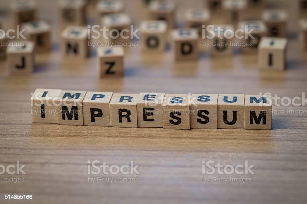Impressum Schriftliche In Hölzerne Würfel Stockfoto und mehr Bilder von Impressum