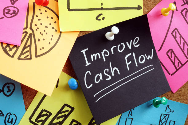 Improve cash flow. Reminder pinned to board. Improve cash flow. Reminder pinned to the board. cash flow stock pictures, royalty-free photos & images
