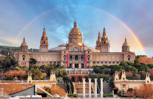 MNAC in Barcelona mit Regenbogen – Foto