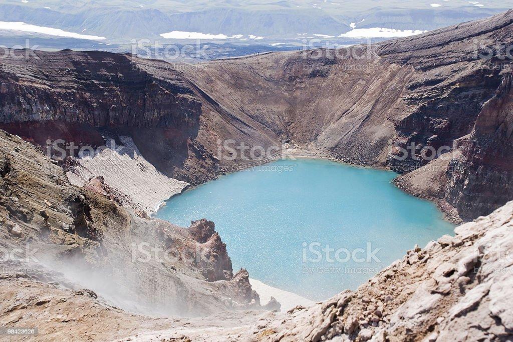Nel cratere del vulcano foto stock royalty-free