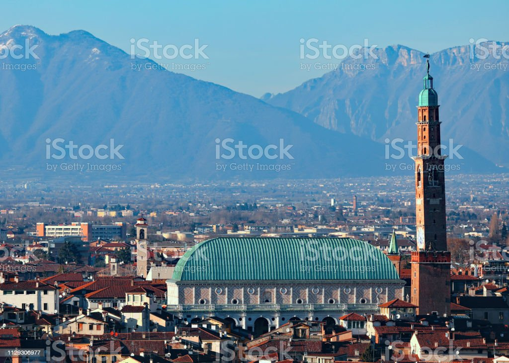 VICENZA in Italy and the famous monument called BASILICA PALLADI - foto stock
