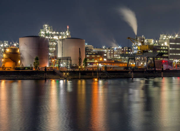 BASF in Ludwigshafen, the largest chemical producer in the world. Ludwigshafen, Germany - 9 Oktober 2016: The image shows the production site of BASF, the largest chemical producer in the world. north rhine westphalia stock pictures, royalty-free photos & images