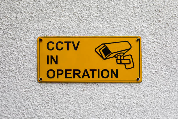 cctv in operation - big brother imagens e fotografias de stock