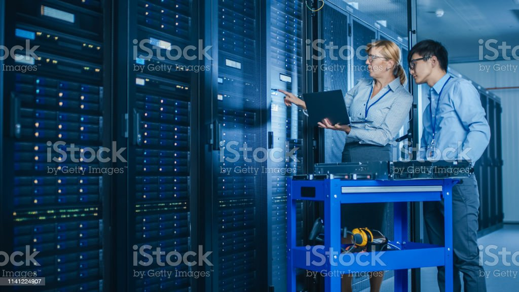 In The Modern Data Center Engineer And It Specialist Work