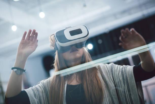 in virtual reality world - ritratto 360 gradi foto e immagini stock