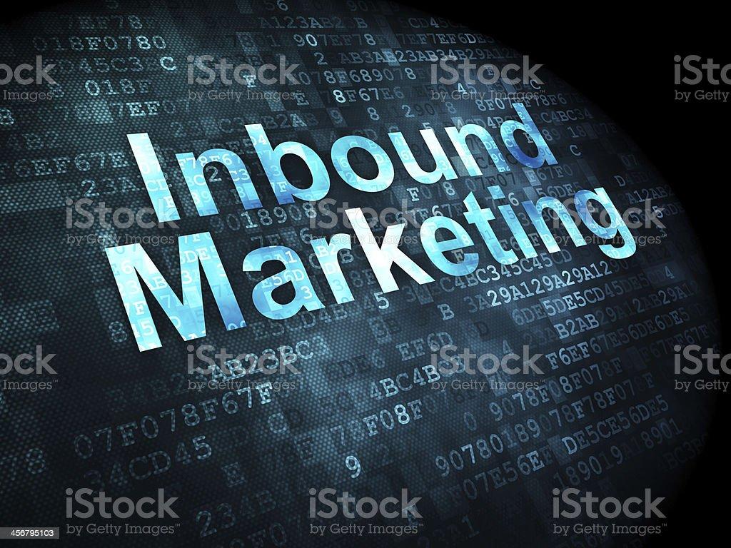 L'aide de techniques d'Inbound marketing mots sur l'écran numérique - Photo de Affaires libre de droits