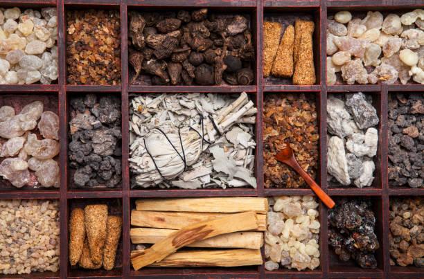 Incense Various kinds of popular incense : myrrh, frankincense, messer, copaiba, salvia apiana, borena, gowe  - thiouraye, palo santo incense stock pictures, royalty-free photos & images